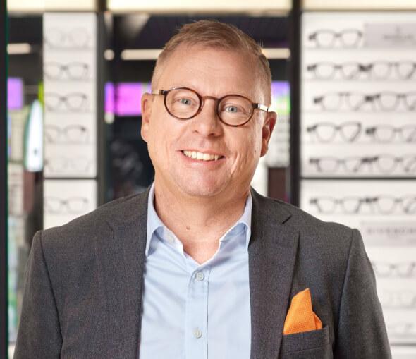 Håkan Broman är optiker och expert på glasögon